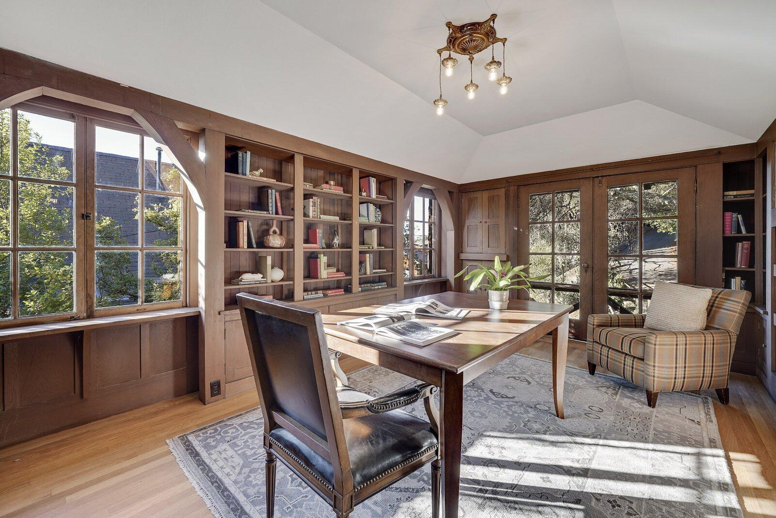 Ericsson-Bray House library