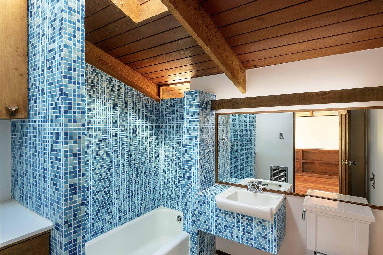 Killion Residence bathroom