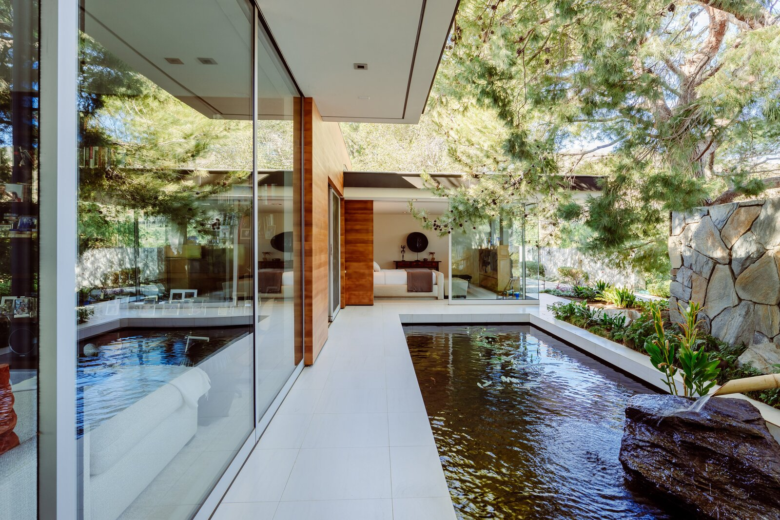 Backyard of Malibu Crest by Studio Bracket Architects