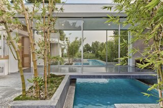 """The Holt House by Midcentury """"Architect to the Stars"""" Hal Levitt Seeks $26M"""
