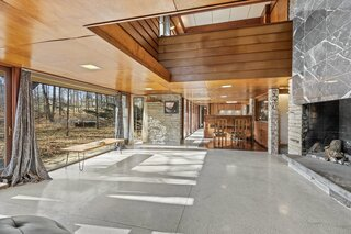Scoop Up This Sprawling Frank Lloyd Wright–Inspired Midcentury for $370K