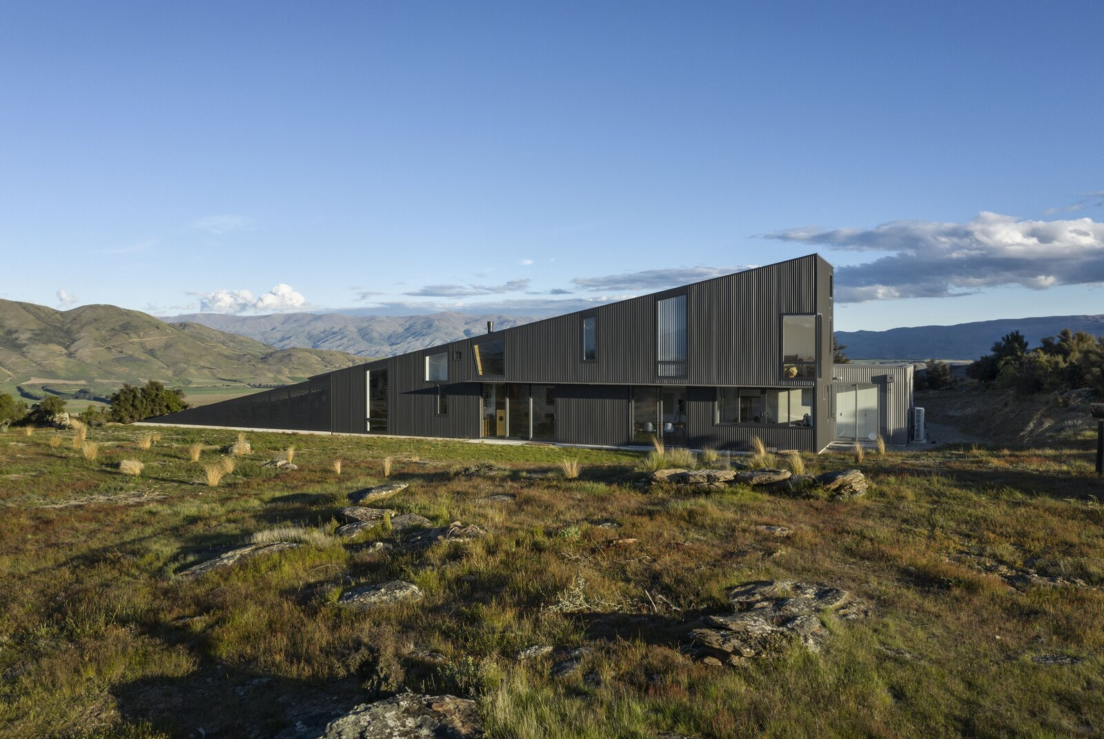 Wanaka Wedge House-Actual Architectural Company