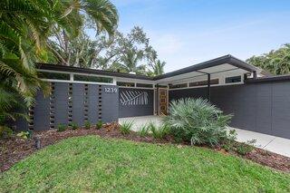 A Spruced-Up Sarasota Modern Seeks $800K in Fort Myers, Florida