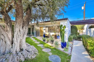 Here's Your Chance to Scoop Up a Darling Palm Springs Midcentury