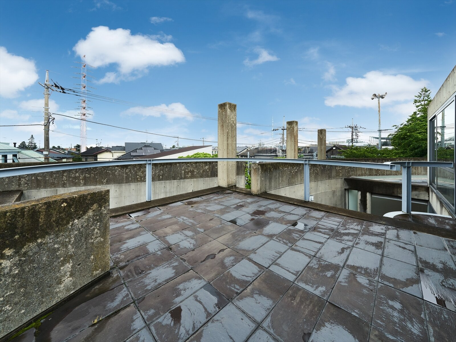 The building also comes with two rooftop patios.  Photo 9 of 11 in Tadao Ando's Curved Concrete Ito House Asks $7M in Tokyo