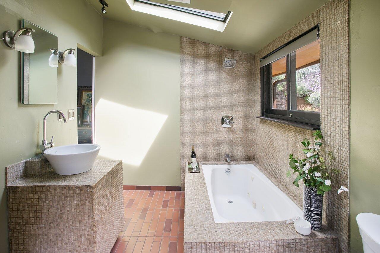 Echo Park real estate bathroom