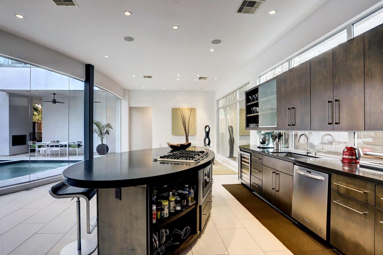 Allen Bianchi Houston home kitchen island