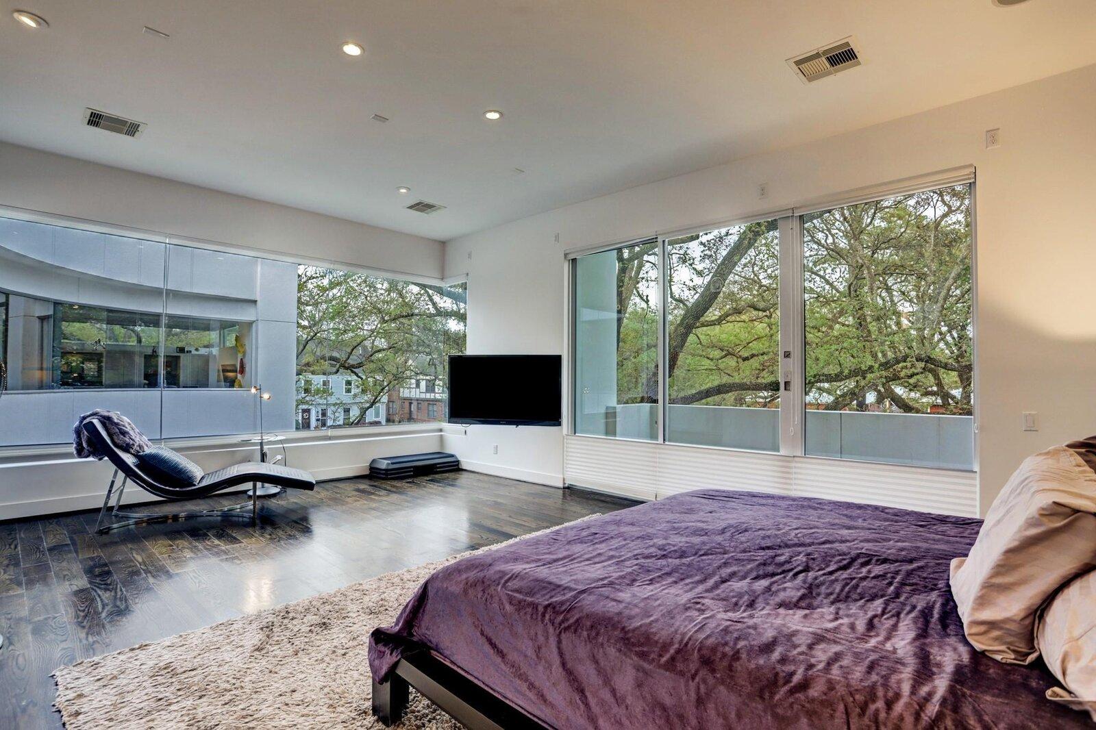 Allen Bianchi Houston home primary bedroom