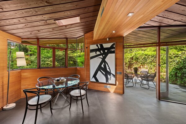 A bluestone patio extends the living areas to the private landscaped grounds.