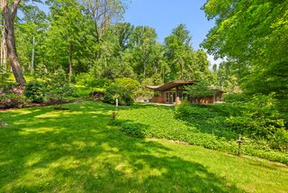 A Usonian Home by a Frank Lloyd Wright Apprentice Seeks $1.4M in New York