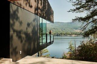 High above Christina Lake in British Columbia, Bohlin Cywinski Jackson designed an idyllic retreat for Lori Hudson, her husband, and their two boys.