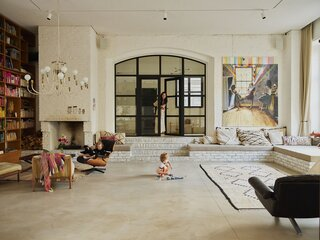 In Berlin, an Auto Repair Shop Becomes a High-Performance Home for a Painter and Her Family