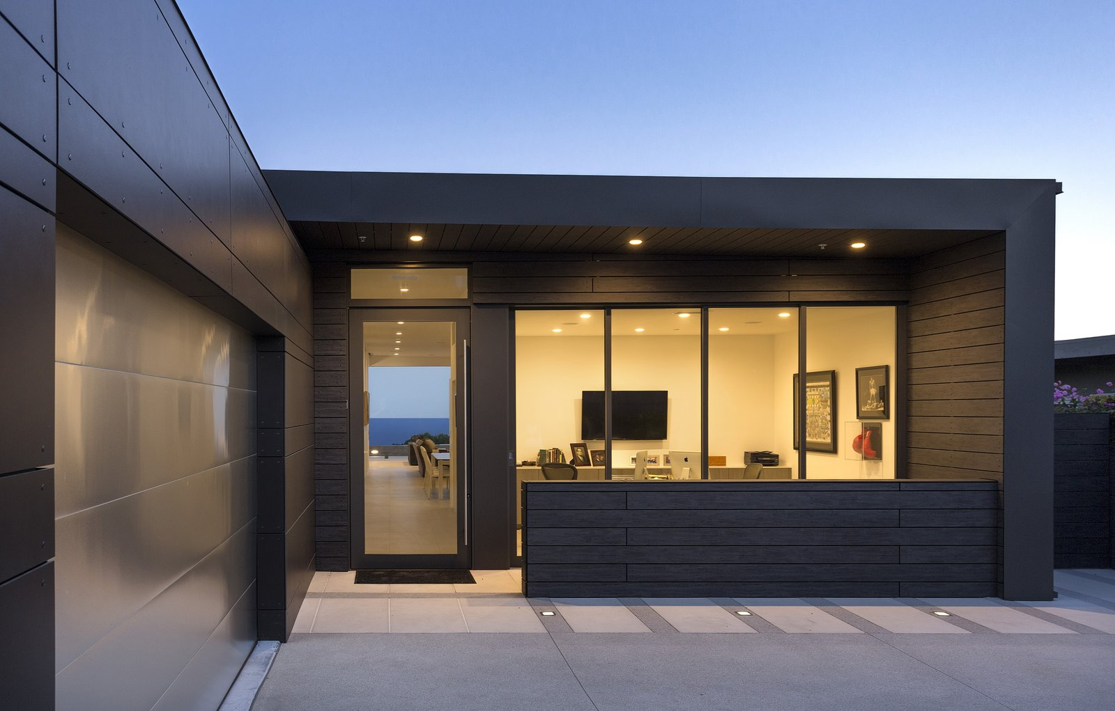 From the front entrance to the back patio, the structure acts as a portal that establishes views of the striking scenery from every room.    Glenhaven Residence by Abramson Teiger Architects