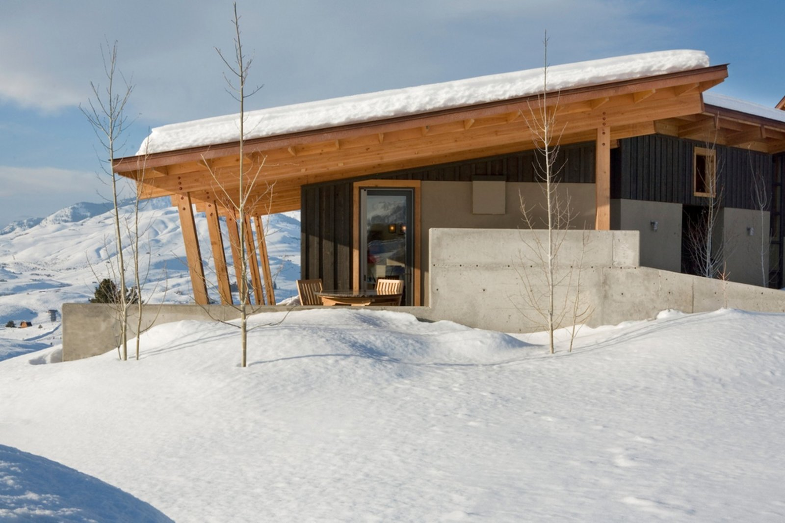 Stud Horse Mountain home in Methow Valley, WA; Architects Prentiss Balance Wickline (PBW) Architects; Photo courtesy of PBW Architects   Cabin Fever