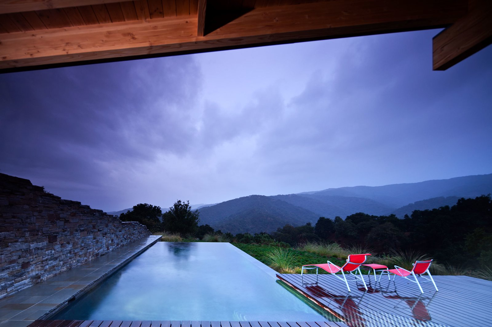 Photography by Nic Lehoux  Photo 5 of 5 in Halls Ridge Knoll Guest House