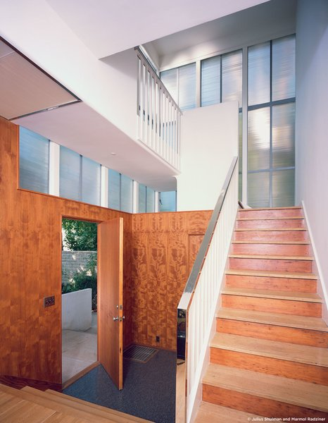 #StenHouse #modern #midcentury #Nuetra #1934 #interior #inside #lighting #door #staircase #wood #outdoor #SantaMonica #California #Pentagram #MarmolRadziner