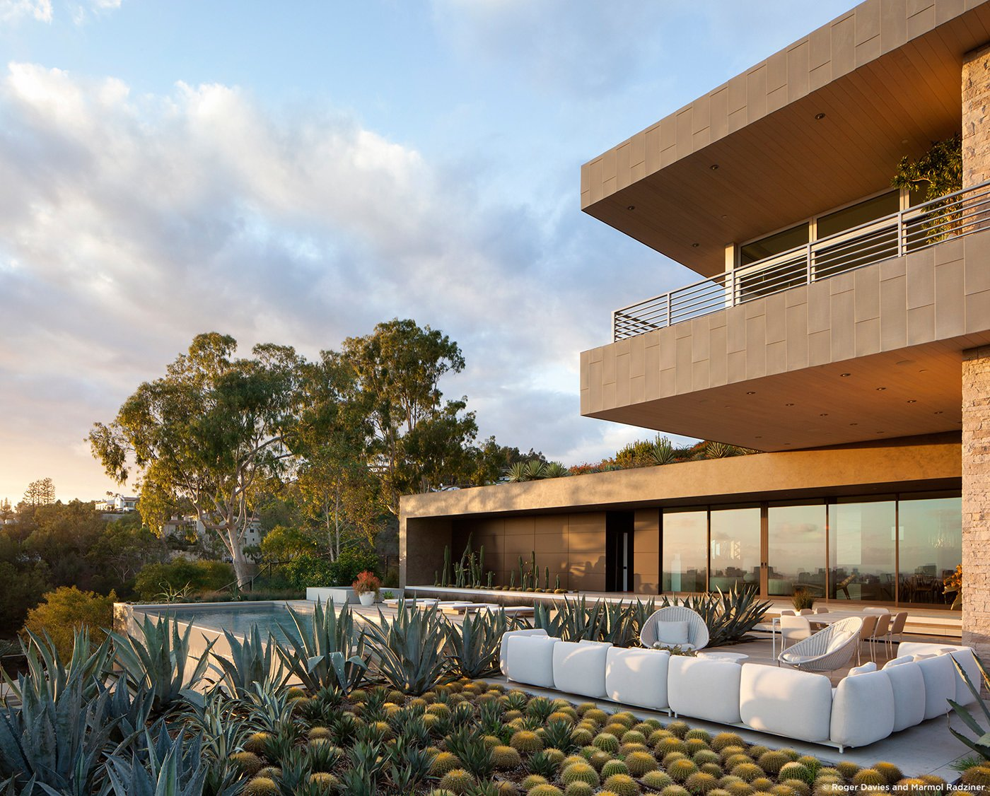 #SummitridgeResidence #modern #midcentury #levels #exterior #outside #outdoor #landscape #green #geometry #pool #view #seating #deck #structure #BeverlyHills #MarmolRadziner  Summitridge Residence