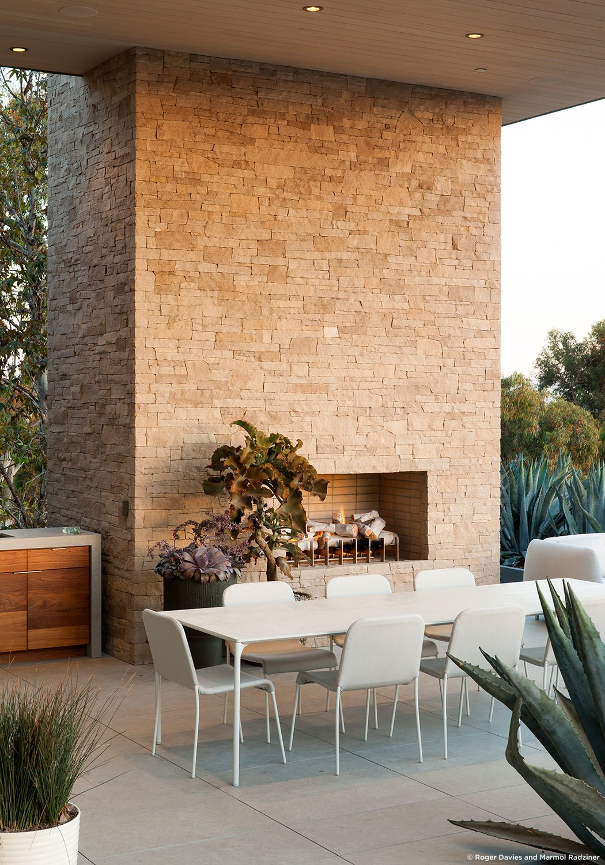 #SummitridgeResidence #modern #midcentury #levels #exterior #outside #outdoor #landscape #green #seating #deck #structure #fireplace #BeverlyHills #MarmolRadziner  Summitridge Residence