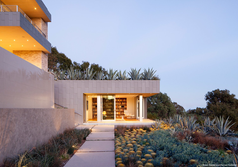 #SummitridgeResidence #modern #midcentury #levels #exterior #outside #outdoor #landscape #green #geometry #structure #BeverlyHills #MarmolRadziner  Summitridge Residence