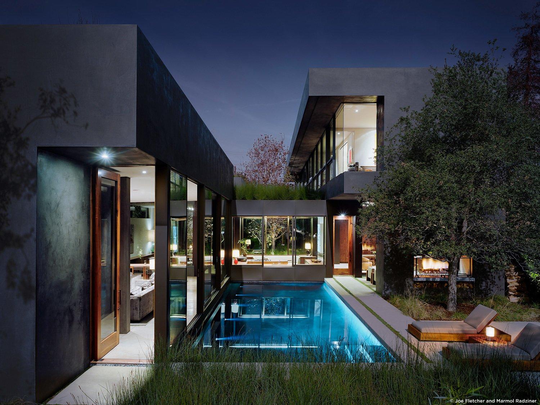 #ViennaWayResidence #modern #midcentury #exterior #outside #outdoors #landscape #structure #geometry #lighting #pool #green #Venice #California #MarmolRadziner  Vienna Way Residence