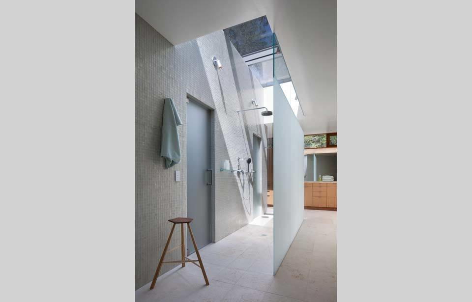 #TurnbullGriffinHaesloop #interior #inside #indoor #bathroom #light   Kentfield Residence