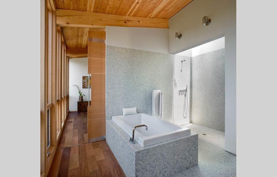 #TurnbullGriffinHaesloop #interior #inside #indoor #bathroom #tile shower #bathtub  Sebastopol Residence