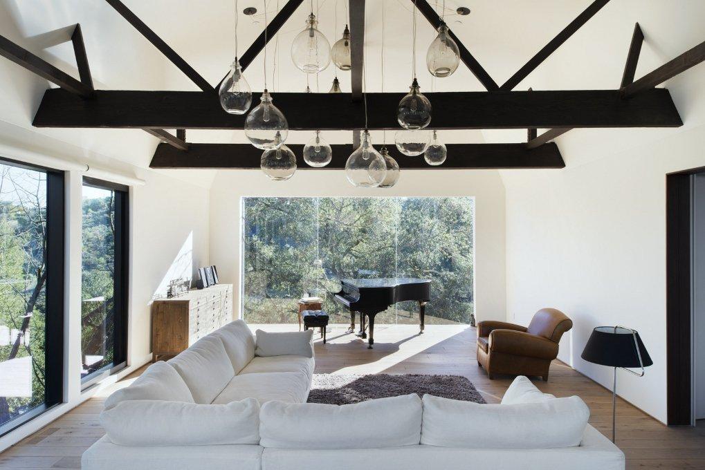 #WalkerWorkshop #inside #interior #indoor #livingroom #piano #lighting #window  Oak Pass Guest House