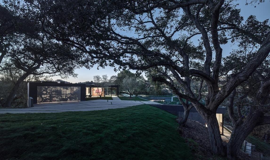#WalkerWorkshop #exterior #outdoor #outside #landscape #concrete  Oak Pass Main House