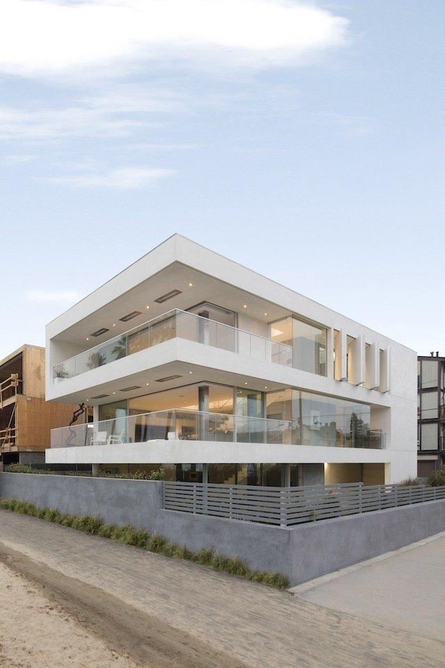 #danbrunn #flipflop #beachfront #residence #venice #california #glass #windows #exterior   Flip Flop Residence by DBArchitecture