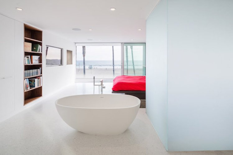 #danbrunn #zigzag #residence #beachfront #venice #california #glass #windows #bedroom #interior #beach  Zig Zag Residence by DBArchitecture