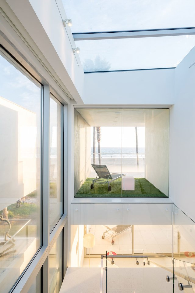 #danbrunn #zigzag #residence #beachfront #venice #california #glass #windows #exterior  Zig Zag Residence by DBArchitecture