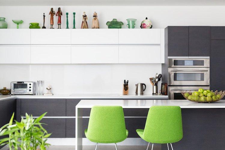 #danbrunn #thediplomat #apartment #wilshirecorridor #california #kitchen #chairs #color #interior  The Diplomat Apartment