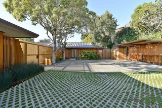 A Quintessential Midcentury Home Goes LEED Platinum
