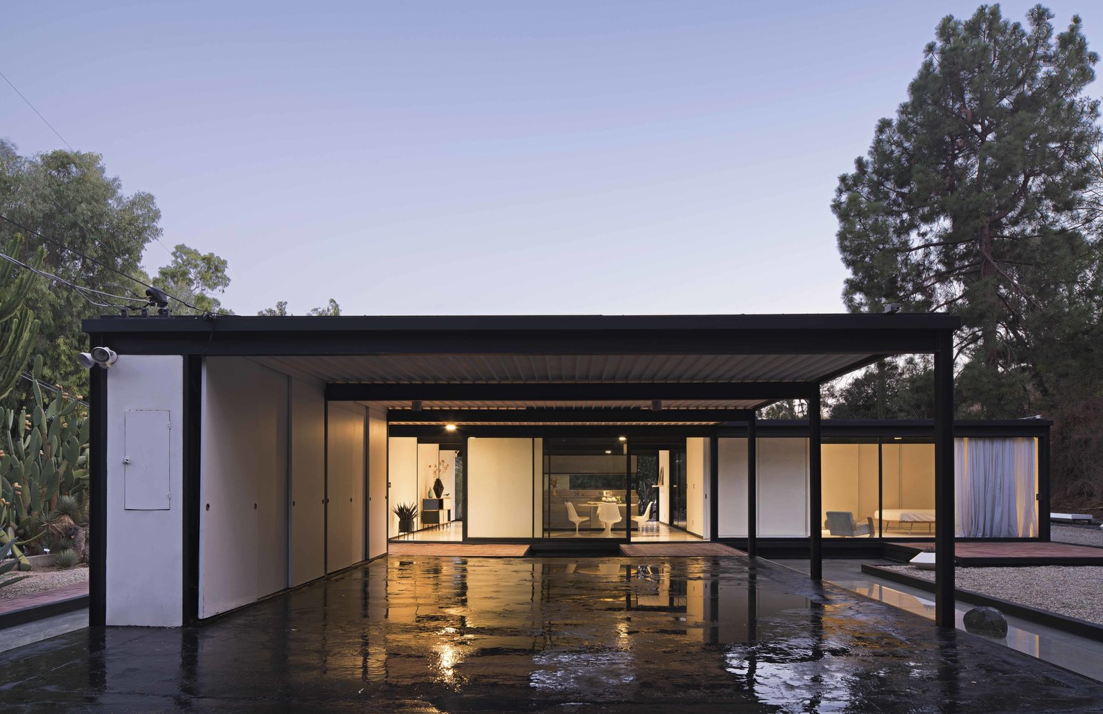 Exterior and House Building Type Lesser known but equally stunning is Pierre Koenig's Bailey House, Case Study House #21. A simple one-story box with a flat roof, built mostly of steel and glass, Koenig achieved his goal of designing a home which was both affordable and beautiful. The Bailey House currently houses Seomi International Gallery which offers visits by appointment.  Photos from Nice architecture