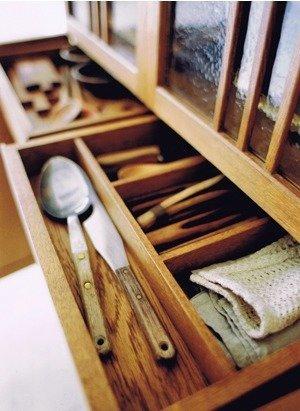 Quattro Cupboard  Tokuhiko Kise