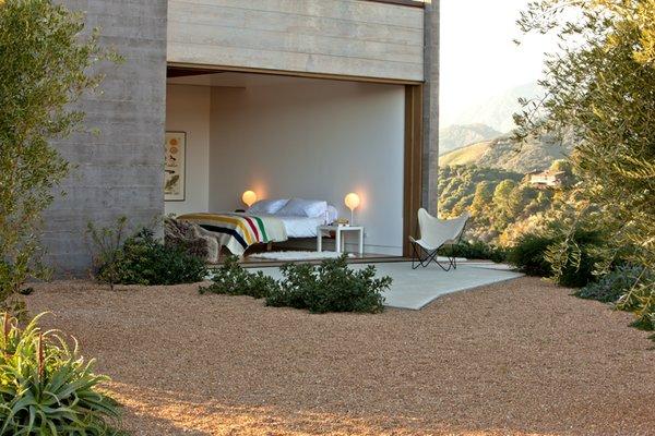 #ToroCanyonHouse #residence #modern #midcentury #exterior #outside #indooroutdoorliving #bedroom #concrete #bed #seating #landscape #2012 #SantaBarbaraCounty #BarbaraBestor