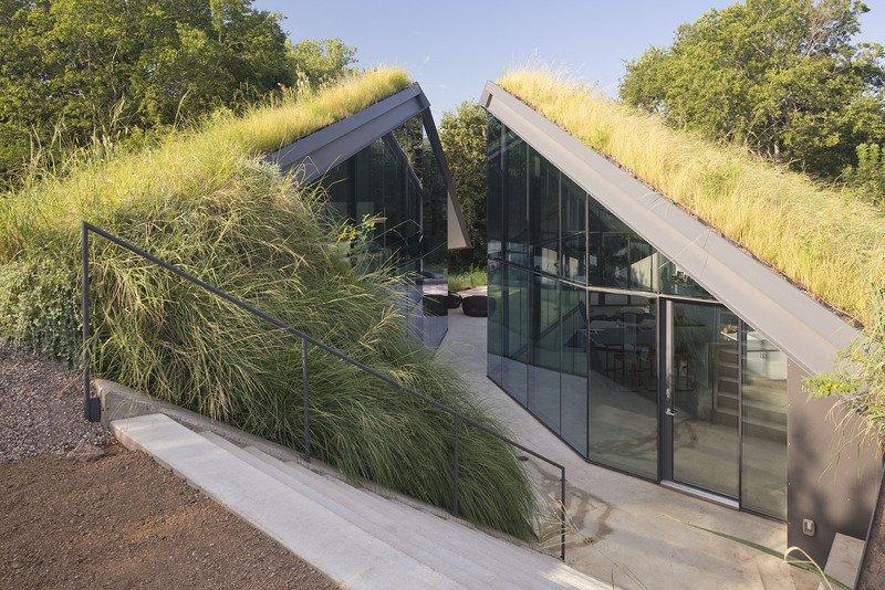 #EdgelandHouse #residence #modern #sunken #pithouse #exterior #outside #outdoors #dynamic #geometric #landscape #glass #windows #structure #BercyChenStudio  Edgeland House by Bercy Chen Studio