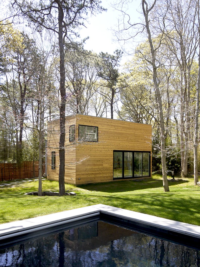 #LightboxWainscott #structure #form #stackedboxes #modern #exterior #outside #outdoors #landscape #pool #JaredDellavalle #BernheimerArchitects  Lightbox Wainscott by Bernheimer Architecture