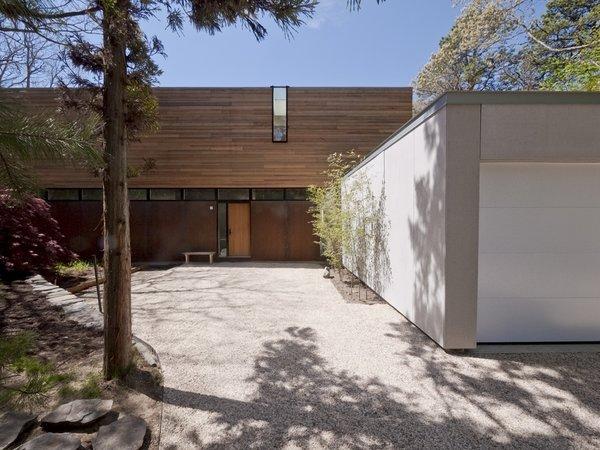 #LightboxWainscott #structure #form #stackedboxes #modern #exterior #outside #outdoors #landscape #entryway #garage #JaredDellavalle #BernheimerArchitects