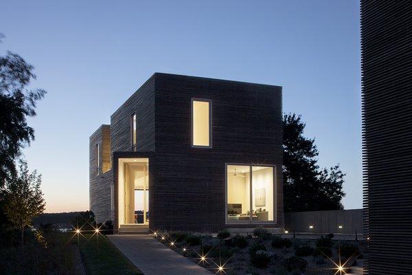 #QuonochontaugHouse #structure #form #coastal #exterior #outside #outdoors #landscape #windows #lighting #entryway #doorway #RhodeIsland #BernheimerArchitects