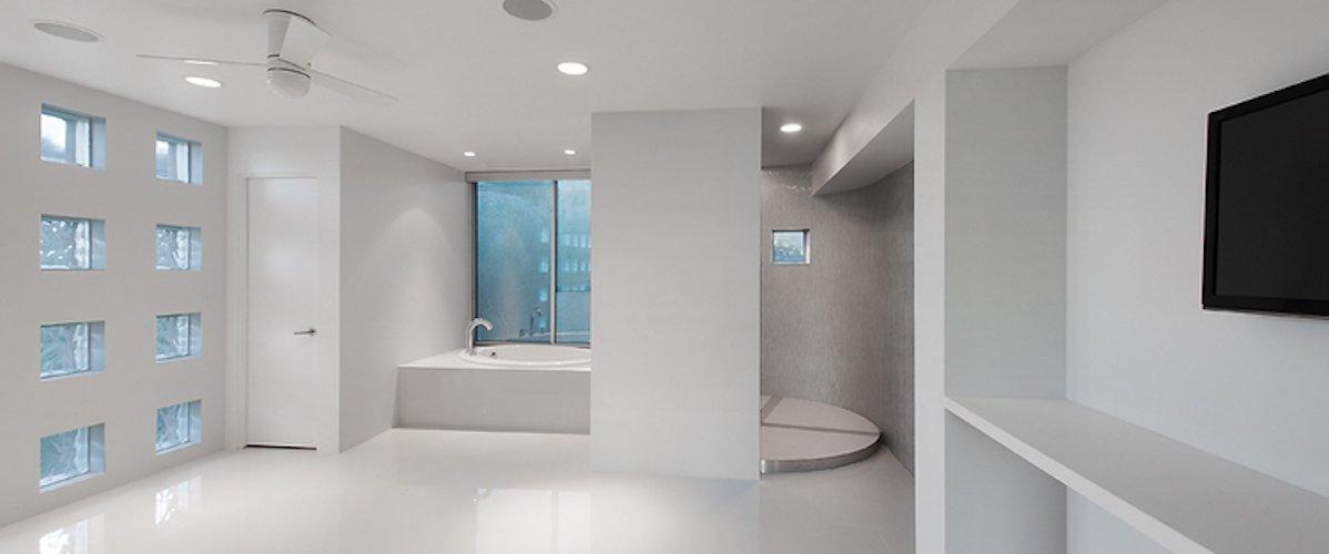 #FlynnRedux #modern #structure #midcentury #residence #interior #inside #indoor #bathroom #tub #windows #lighting #closet #door #coLABstudio  Flynn Redux