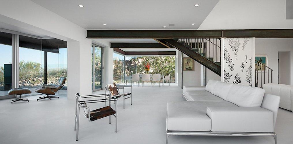 #FlynnRedux #modern #structure #midcentury #residence #interior #inside #indoor #livingroom #window #lighting #naturallight #seating #staircase #minimal #coLABstudio  Flynn Redux