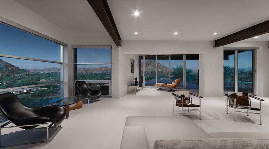 #FlynnRedux #modern #structure #midcentury #residence #interior #inside #indoor #livingroom #lighting #windows #naturallight #view #minimal #coLABstudio  Flynn Redux