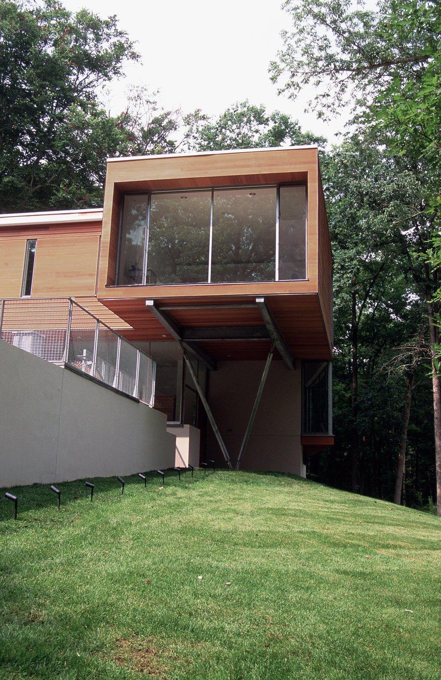 #outside #outdoor #exterior #landscape #modern #grass #trees #Princeton #NewJersey #GarrisonArchitects  Iversen Kaplan Residence