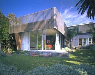 #exterior #outdoor #outside #landscape #color #grass #lavender #palm #concrete #SantaMonica #California #KevinDalyArchitects