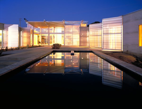 #exterior #outside #outdoor #pooldesign #pool #light #eco #green #sustainable #ValleyCenter #California #KevinDalyArchitects  Valley Center House