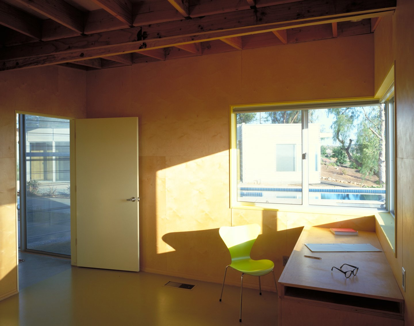 #workplace #office #chair #desk #window #light #view #eco #green #sustainable #ValleyCenter #California #KevinDalyArchitects  Valley Center House