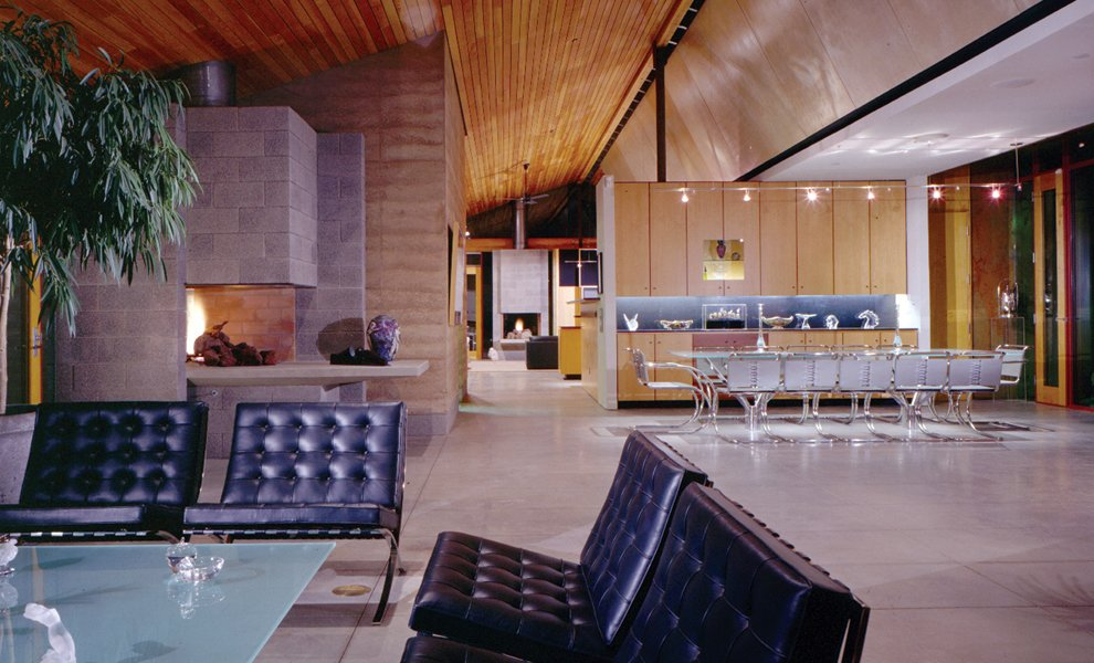 #interior #modern #inside #arizona #architecture #jonesstudio #1997 #lowcompound #openfloorplan #openfloor #fireplace #seatingdesign #leather   Low Compound