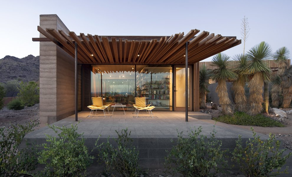 the outpost modern home in paradise valley  arizona by jones studio on dwell