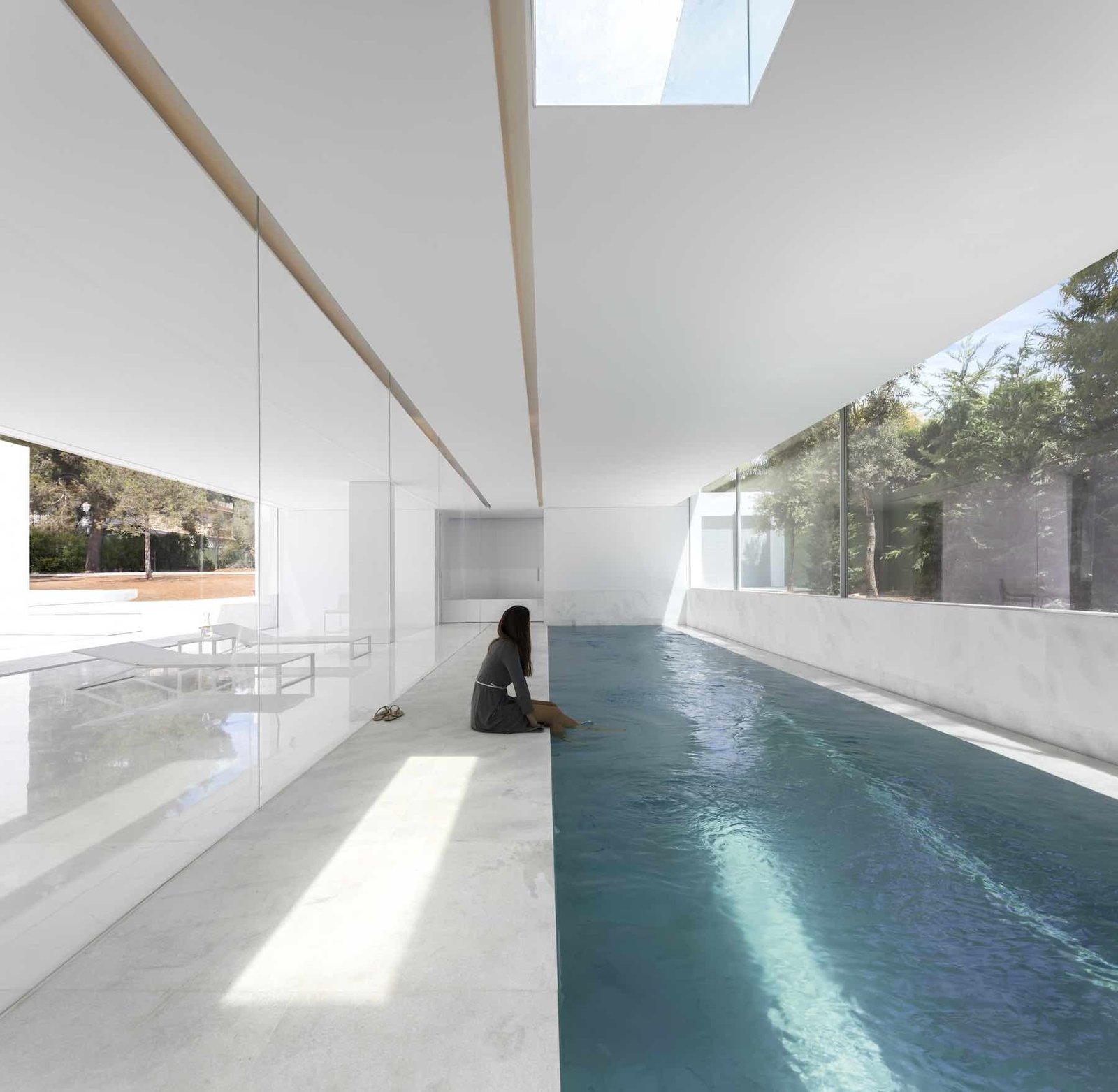 Indoor pool  House Between the Pine Forest